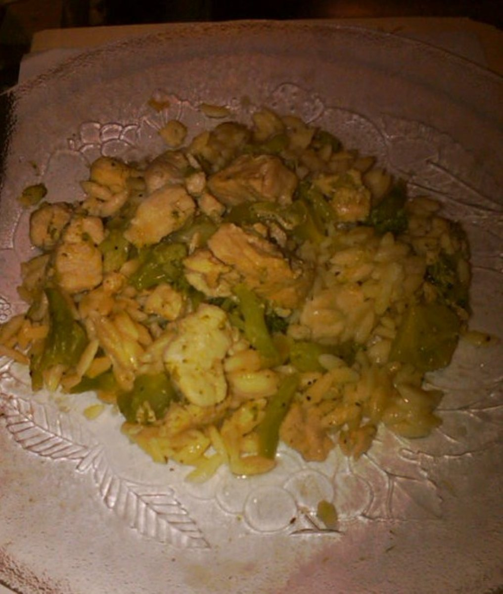 Chicken N Broccoli-Topped Orzo - Bigoven-1448