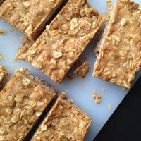 Easy No-Bake Peanut Butter Oat Bars