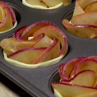 Brunch - Apple Rose Rolls