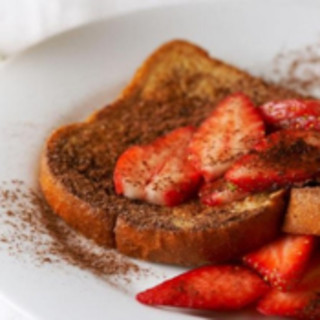 Cocoa Strawberry French Toast
