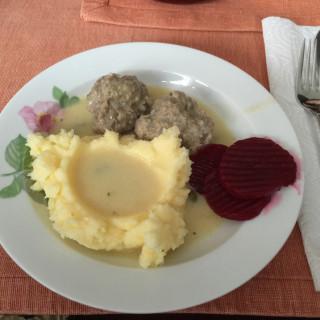 Konigsberger Klopse (Konigsberg Meatballs)