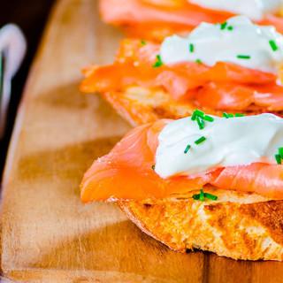 Salmon Cucumber Sandwich 🥘