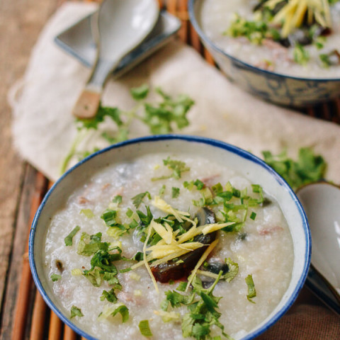 20-Minute Congee with Pork and Thousand Year-Old Egg (皮蛋瘦肉粥)