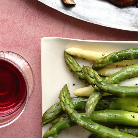 Asparagus with Garlic Dip