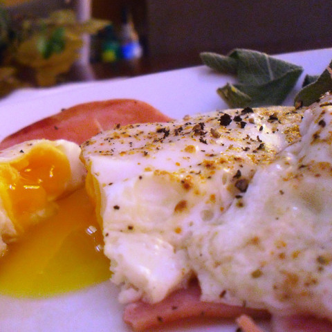 Baked Eggs And Ham