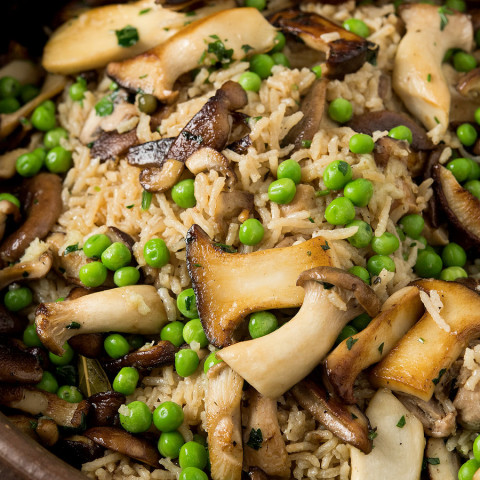 Baked Rice With Chicken and Mushrooms
