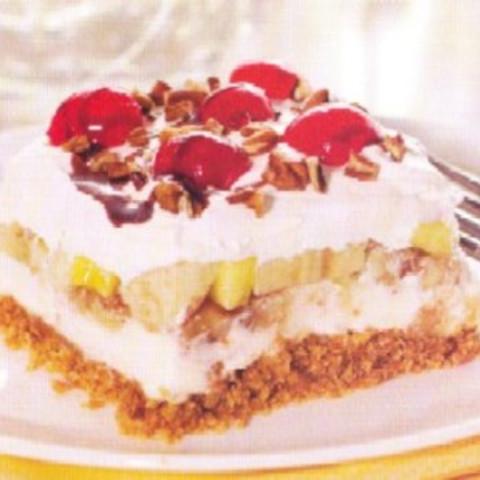 Banana Split Cake With Whipped Cream