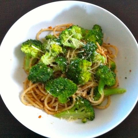 Broccoli and Garlic Breadcrumb Spaghetti