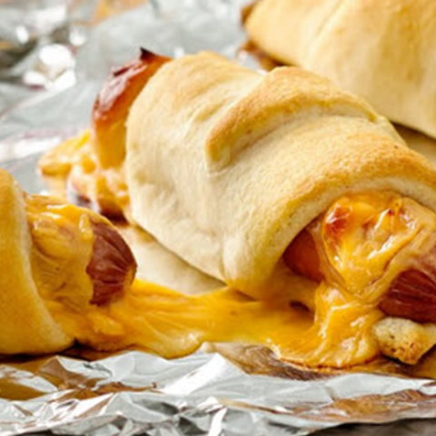 Camping - Skillet mummy dogs