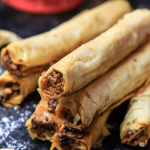 Cashew Filled Baklava Rolls