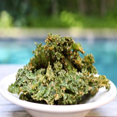 Cheesy Kale Chips (RV, GF)