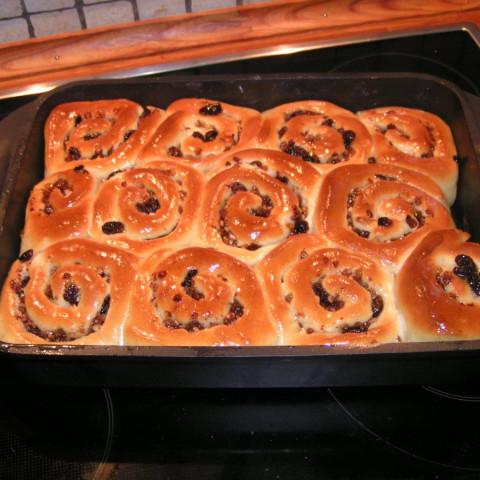 Chelsea Buns in the Bread Machine