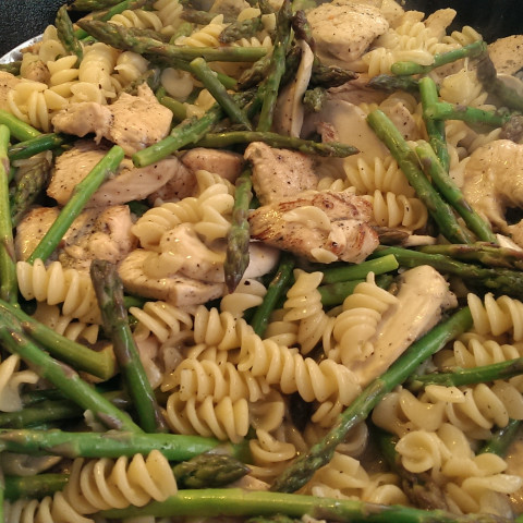 Chicken & Asparagus with Pasta in Lemon Pepper Sauce
