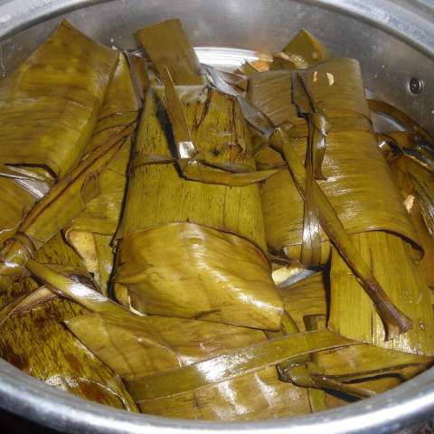 Chilahuates (Banana Leaf Wrapped Tamales)