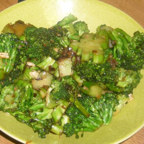 Chili-Garlic Roasted Broccoli