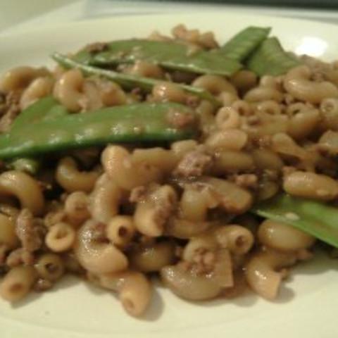 Chinese style macaroni with snow peas