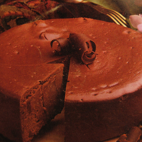 Chocolate-Amaretto Cheesecake