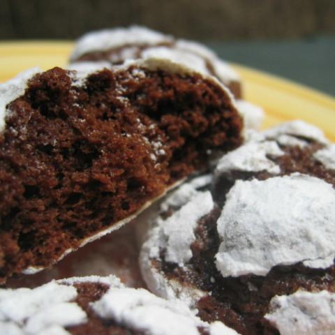 Chocolate Snowflake Cookies (Chocolate Crinkles / Crackles)