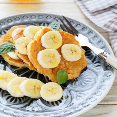 Crazy Healthy Cinnamon Banana Pancakes