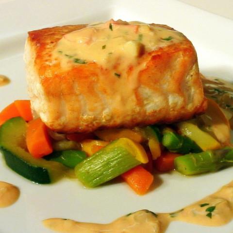 crispy salmon w a tomato basil beurre blanc - Bur Blanc Recipe