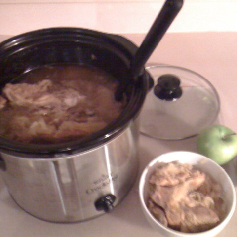 Crockpot Sourkraut and Pork with Apples