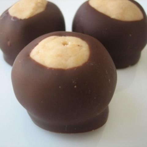Debbies Buckeyes (peanut butter balls)