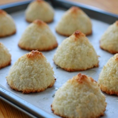 Diabetic coconut macaroons