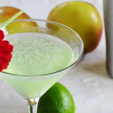 Easy Appletini Cocktail Recipe