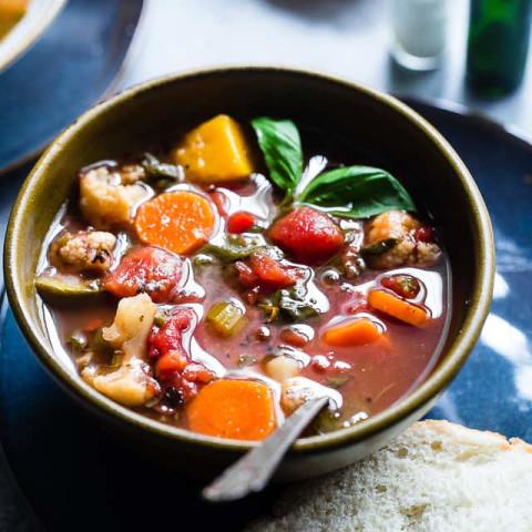 Easy Homemade Crockpot Vegetable Soup