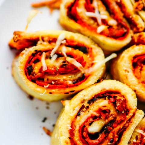 Fathead Pizza Rolls [Recipe] – Low Carb & Gluten-Free