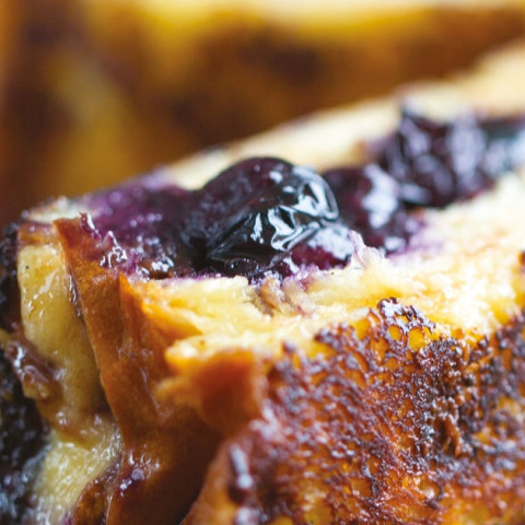 French Toast Fingers With Chocolate Hazelnut Spread and Blueberries