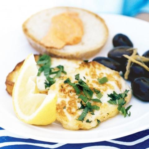 Fried haloumi with mint and lemon
