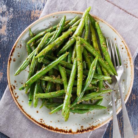 Garlic and Rosemary Green Beans