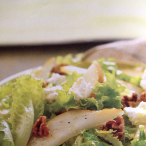 Green Leaf, Pear, and Goat Cheese Salad