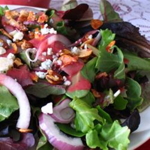 Green Salad with Cranberry Vinaigrette