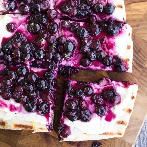 Grilled Blueberry Dessert Pizza