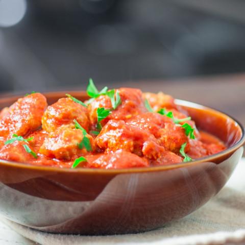 Healthy Turkey Meatballs with Marinara Sauce