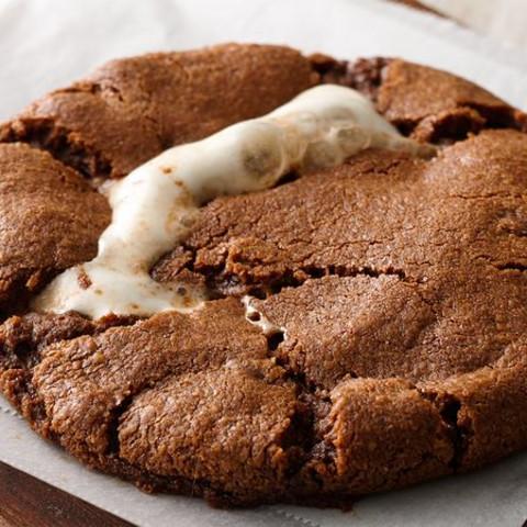 Hot Chocolate-Marshmallow Cookies