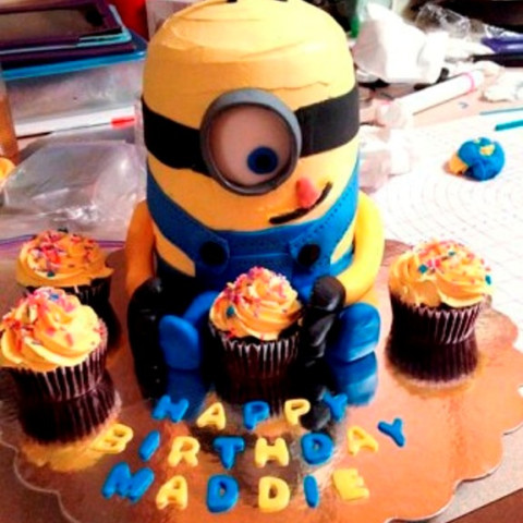 Cool How To Make Best Birthday Minion Cake Personalised Birthday Cards Veneteletsinfo
