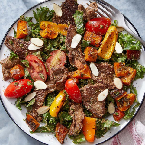 Italian-Style Beef Salad with Roasted Vegetables & Creamy Balsamic Dres
