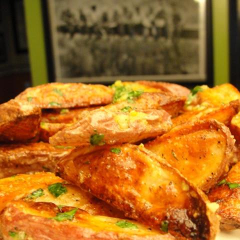 Lemony Garlic Potato Wedges