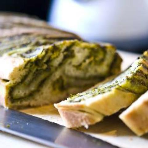 Light Pesto Bread