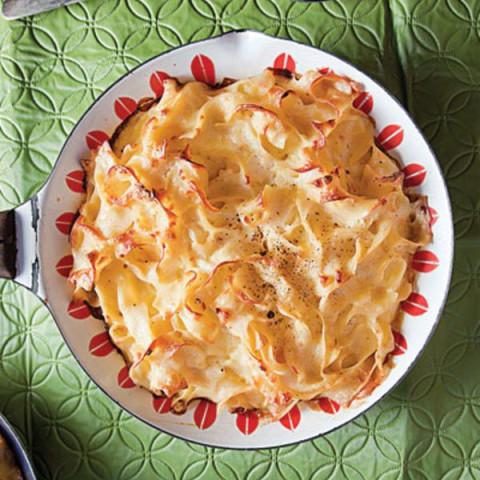 Lokshen Kugel (Savory Noodle Kugel)