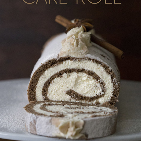 Low Carb Gingerbread Cake Roll