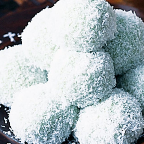 Palm sugar balls