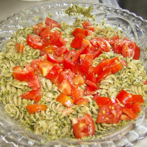 Pasta with Pesto sauce and cream