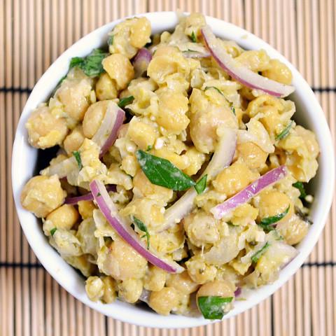 pesto chickpea salad
