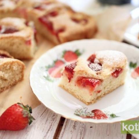 Placek z owocami (quick cake with fresh fruit)