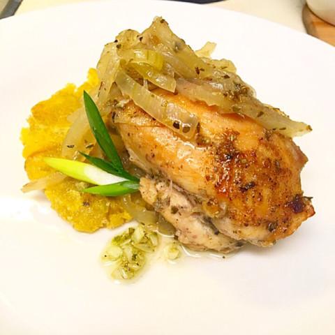 Pollo Encebollado (Chicken and Onions)