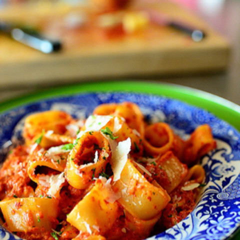 Quick and Easy Roasted Red Pepper Pasta